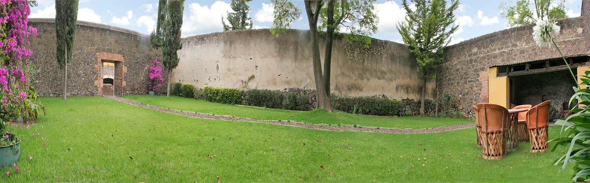 Hacienda casa grande zempoala for Jardin cipres